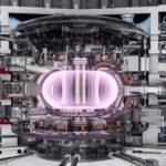 Самый мощный в мире магнит на термоядерном реакторе ITER способен поднять авианосец (2 фото)